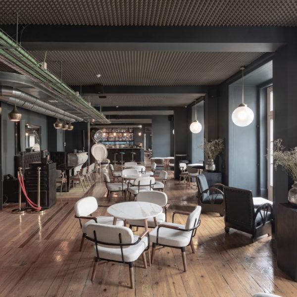 Le Consulat Lobby Bar